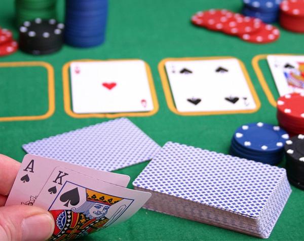 Количество карт в покере